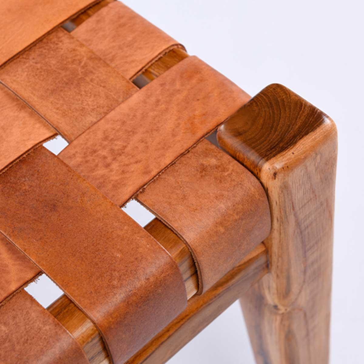 Falch & Frische benk med skinnsete detaljer